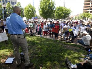 Candidate for Congress Kenneth Queen speaks to the crowd